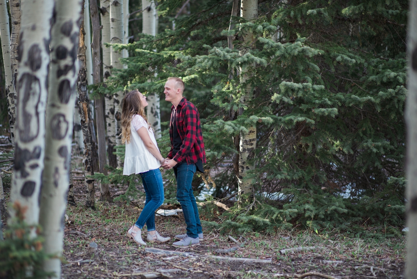 what to wear for an engagement session red plaid flannel