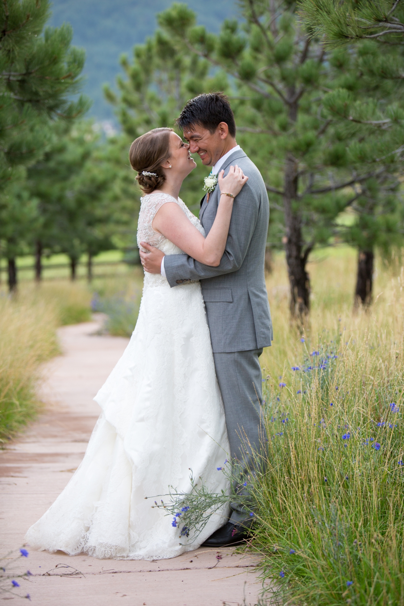 Wedding Day Tips Candid Photo Of Bride And Groom At Spruce Mountain Ranch